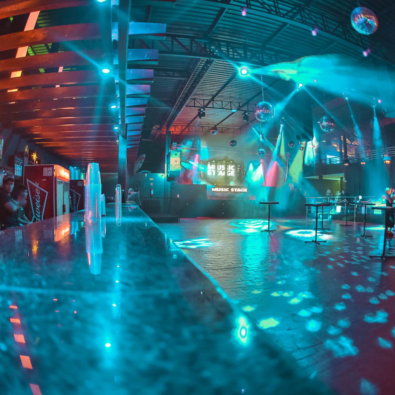 bar-pista-e-palco